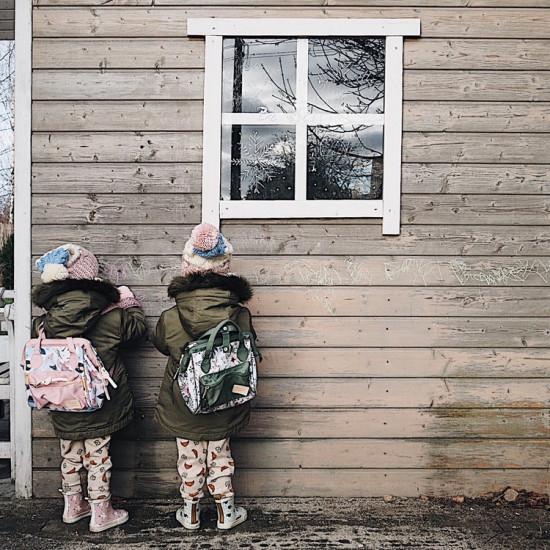 Dívčí malý školní batoh DOLCE VITA HELLO WORLD BIRDS